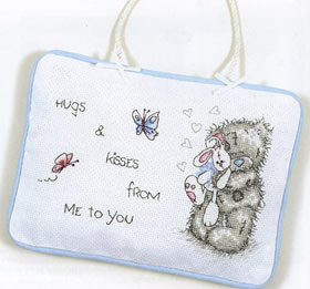 Hugs & kisses door hanger